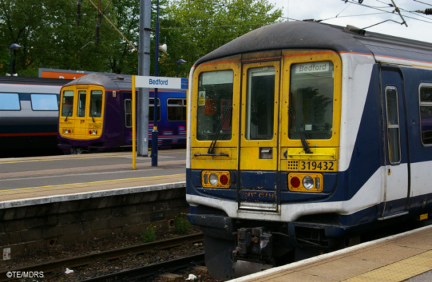Class 319 units at Bedford