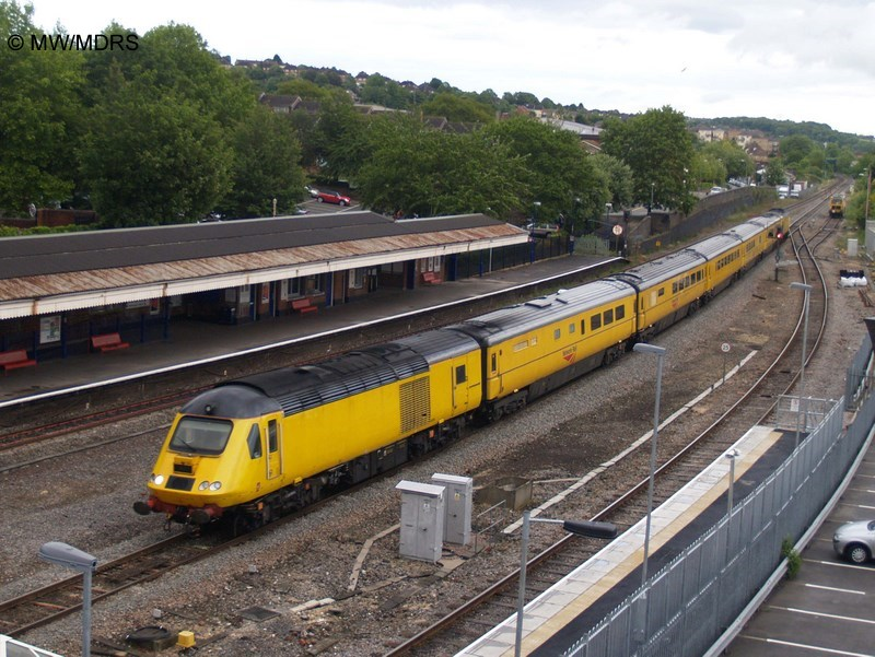 Measurement Train passes High Wycombe (photo by Mike Walker)