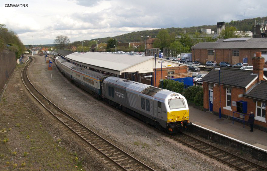 Down WSM service train passing High Wycombe