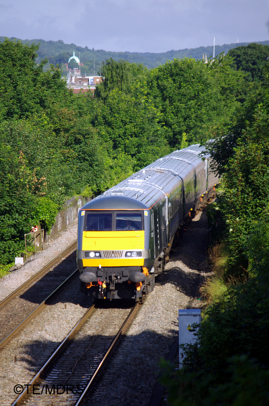 82302 on the curve approaching High Wycombe (photo by Tim Edmonds)
