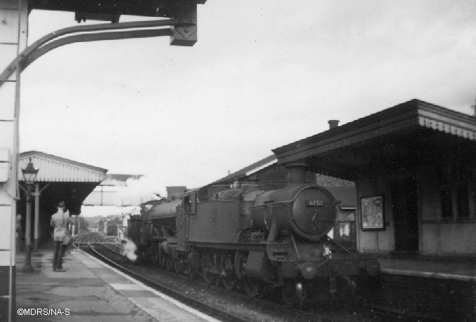 32425 and 6151 at Bourne End