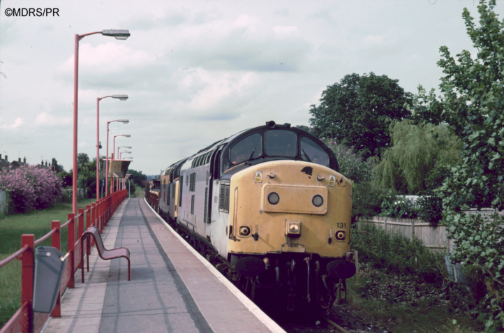 37131 and 37377 at Furze Platt with a Sunday engineer's train